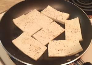 Seasoned tofu with salt and pepper.