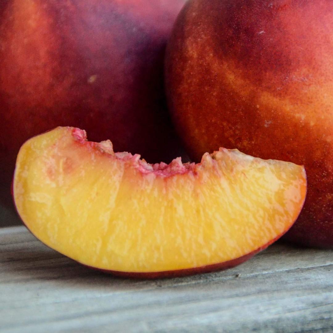 froghollowfarm,peaches.jpg