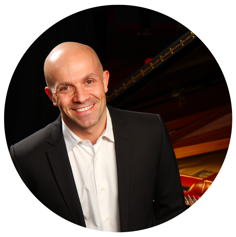 Anthony Molinaro - Anthony Molinaro is the 1997 winner of the prestigious Naumburg International Piano Competition and one of the most versatile pianists of his generation. Acclaimed for his