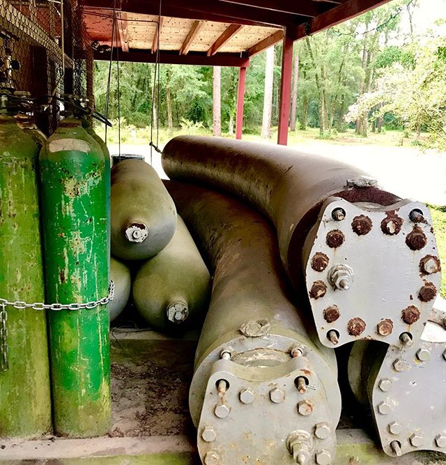 The big hotdog-looking tanks are the bank tanks for Dive Outpost in Live Oak, FL. They were salvaged from a submarine.  Apparently they have a working pressure of 10,000 PSI 😅. Luckily, they don't need to be hydro-tested every 5 years either! #scuba #scubadiving #diving #cavediving #cavedive #cavediver #floridacaves #diveoutpost #liveoak #liveoakfl #utd #unifiedteamdiving #caves #cave #nitrox #gasblender #funfacts #funfact #salvage #submarine