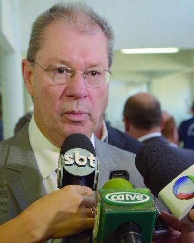 Américo Tristão Bernardes - Professor da Universidade Federal de Ouro Preto, ex-Secretário de Inclusão Digital do MCTIC, responsável pela gestão de Políticas Públicas para Cidades Digitais e Inteligentes por 15 anos.