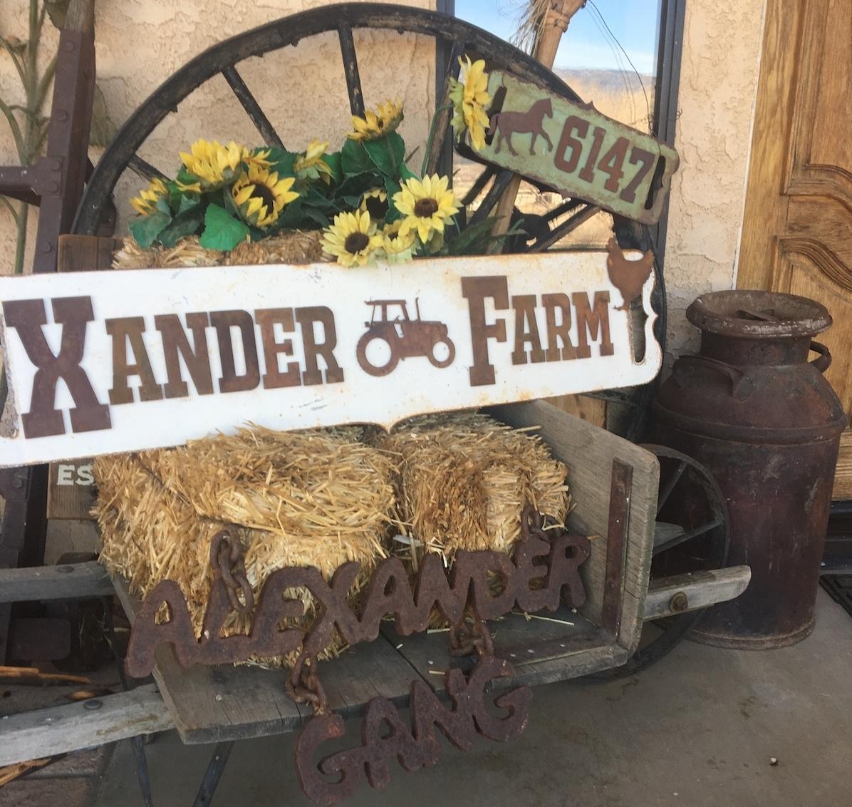 farm-rustic-metal-sign.JPG