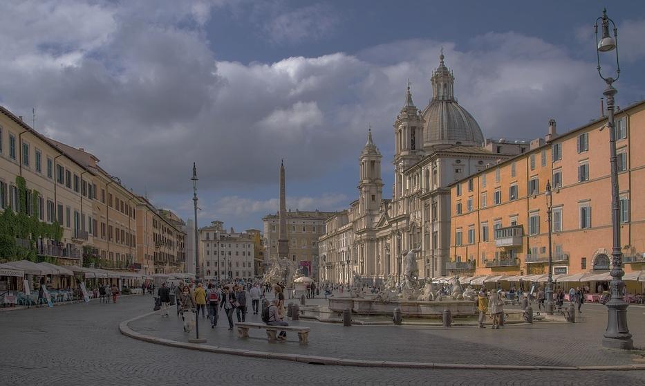 Piazza Navona com um bem-vindo solzinho de inverno.