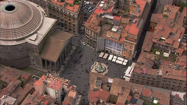 Piazza Della Rotonda e entorno com o Pantheon ao fundo - foto: turismoroma.it