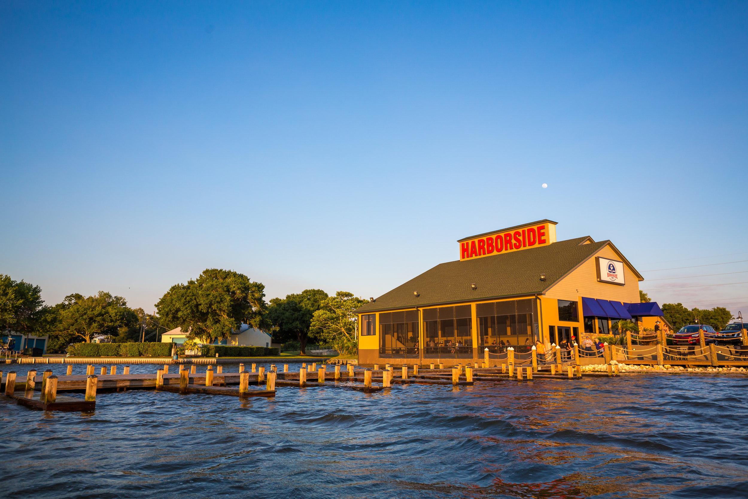 Harborside restaurant - Lakeside dining.jpg