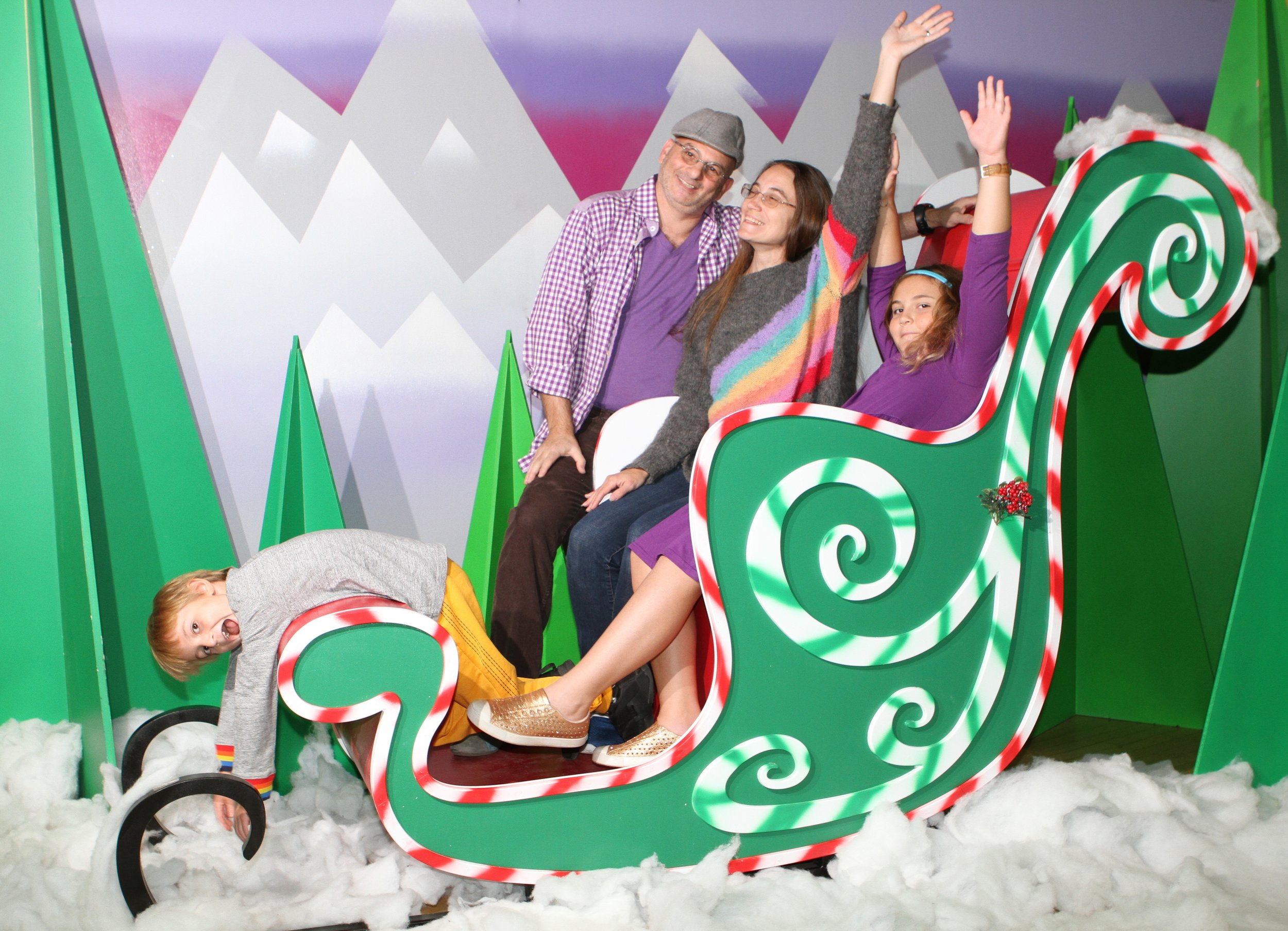 Many thanks to  SFDS  for building us our very own Sleigh84 & Winter Wonderland!