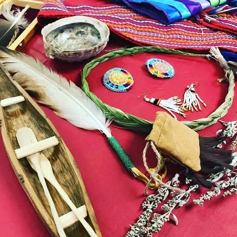 We're celebrating #NationalIndigenousPeoplesDay today! What did you do to honour and celebrate Indigenous Peoples during Indigenous awareness week?  #Reconciliation #IGPyyc #yycnow #yycdaily #IndigenousCanada #Celebrate #Traditions #Culture #IndigenousWisdom
