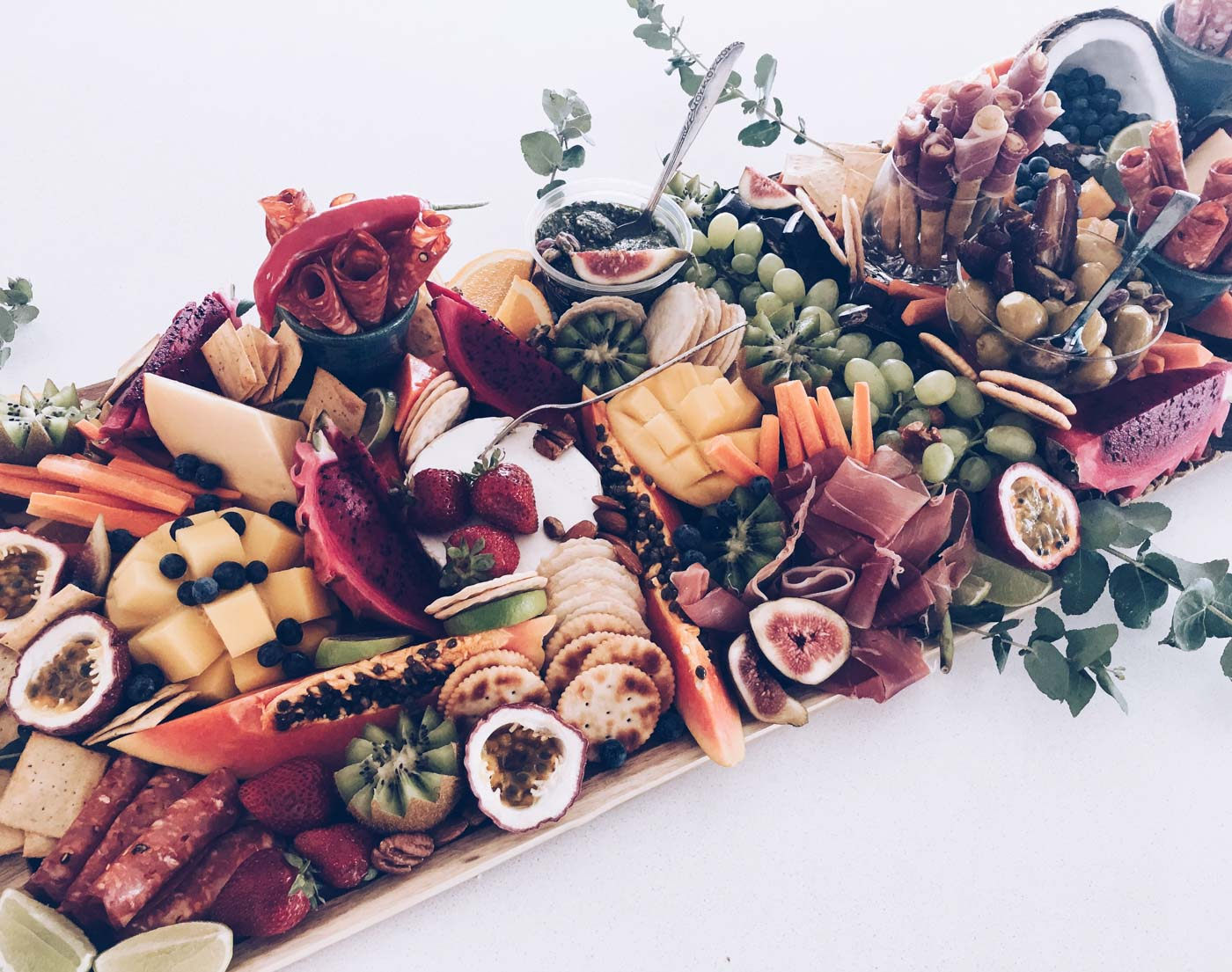 the_Collection_co_grazing_table_cairns_weddings_catering_medium_platter-2-2.jpg