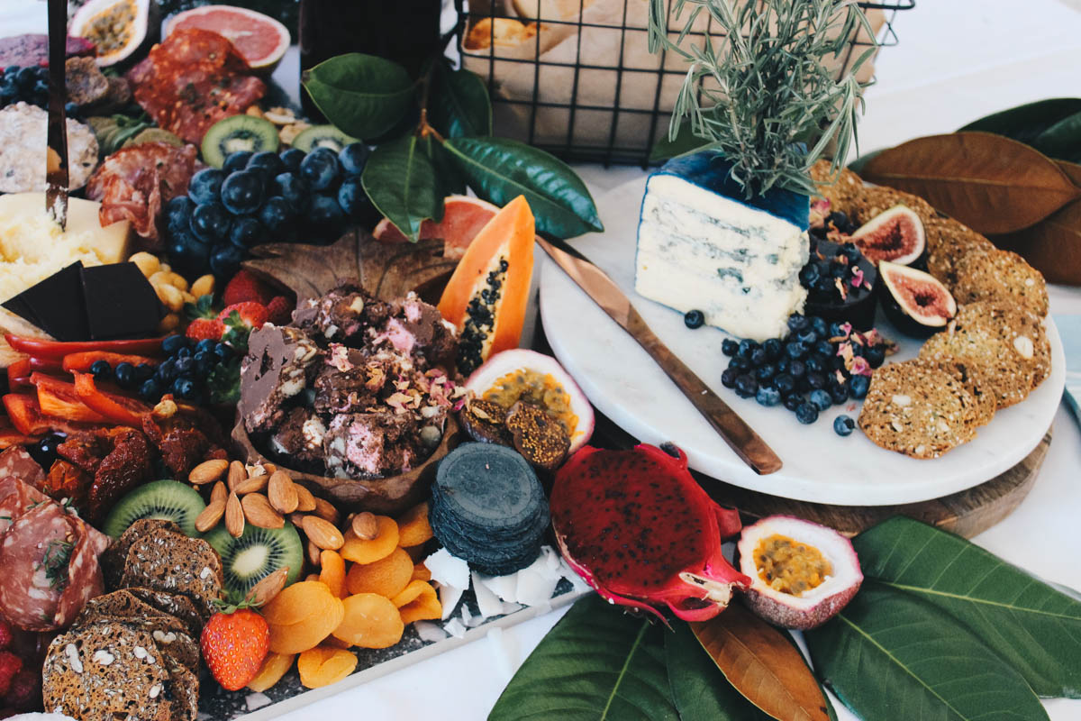 Platter_grazing_table_natives_weddings_events_cairns_picnic_photography_website_grazingtable_by_the_meter_graze-3.jpg
