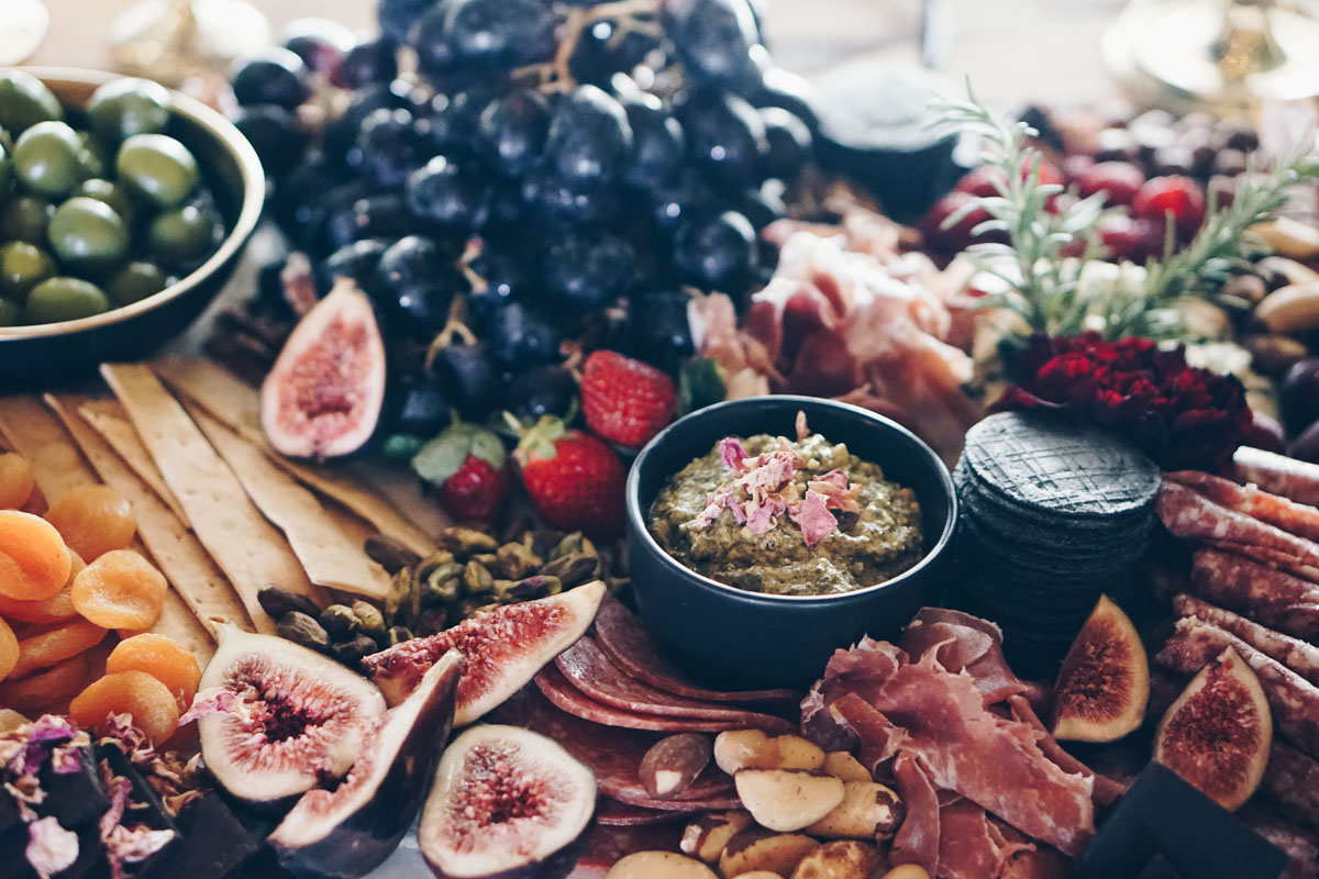 Platter_grazing_table_natives_weddings_events_cairns_picnic_photography_website_grazingtable_by_the_meter-5.jpg