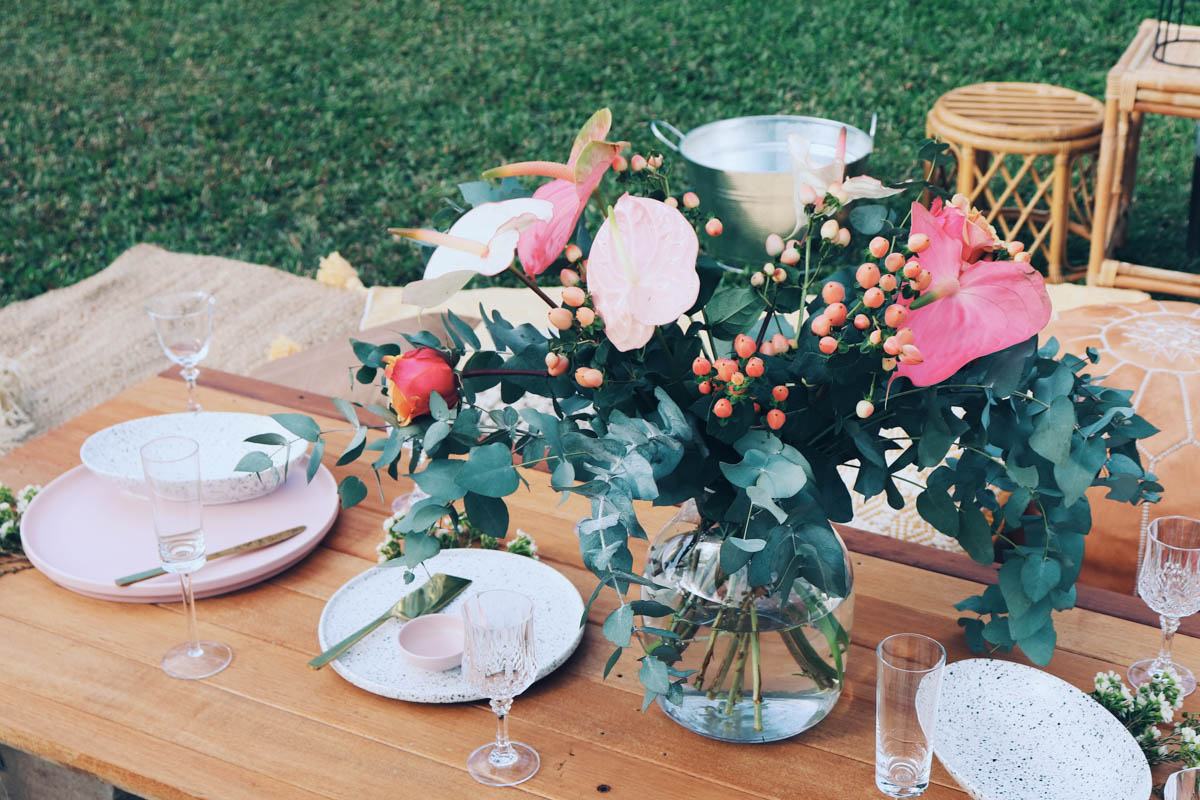 The_Collection_Co_ Styling_Tablescape_style_eventplanner_eventstyler_table_setting_cotton_blooms_cairns_luxe_wedding_coral_tablewear_pink_placemats_design_candles_eventhirecairns_fnqwedding-9.jpg