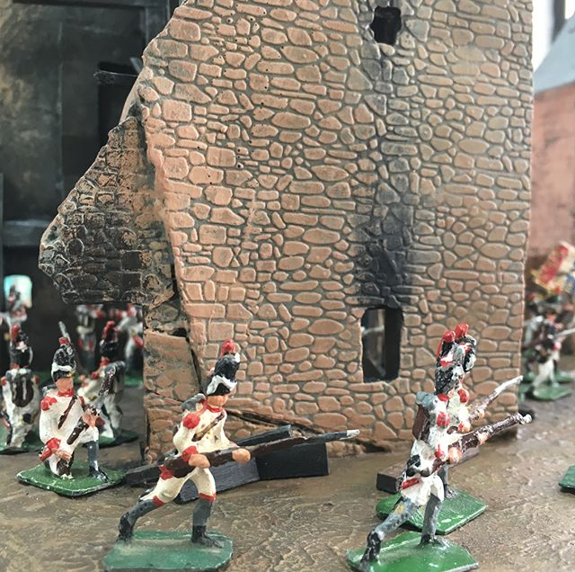 We're pacifists #diorama #mountmaking #fineart #toy #soldiers