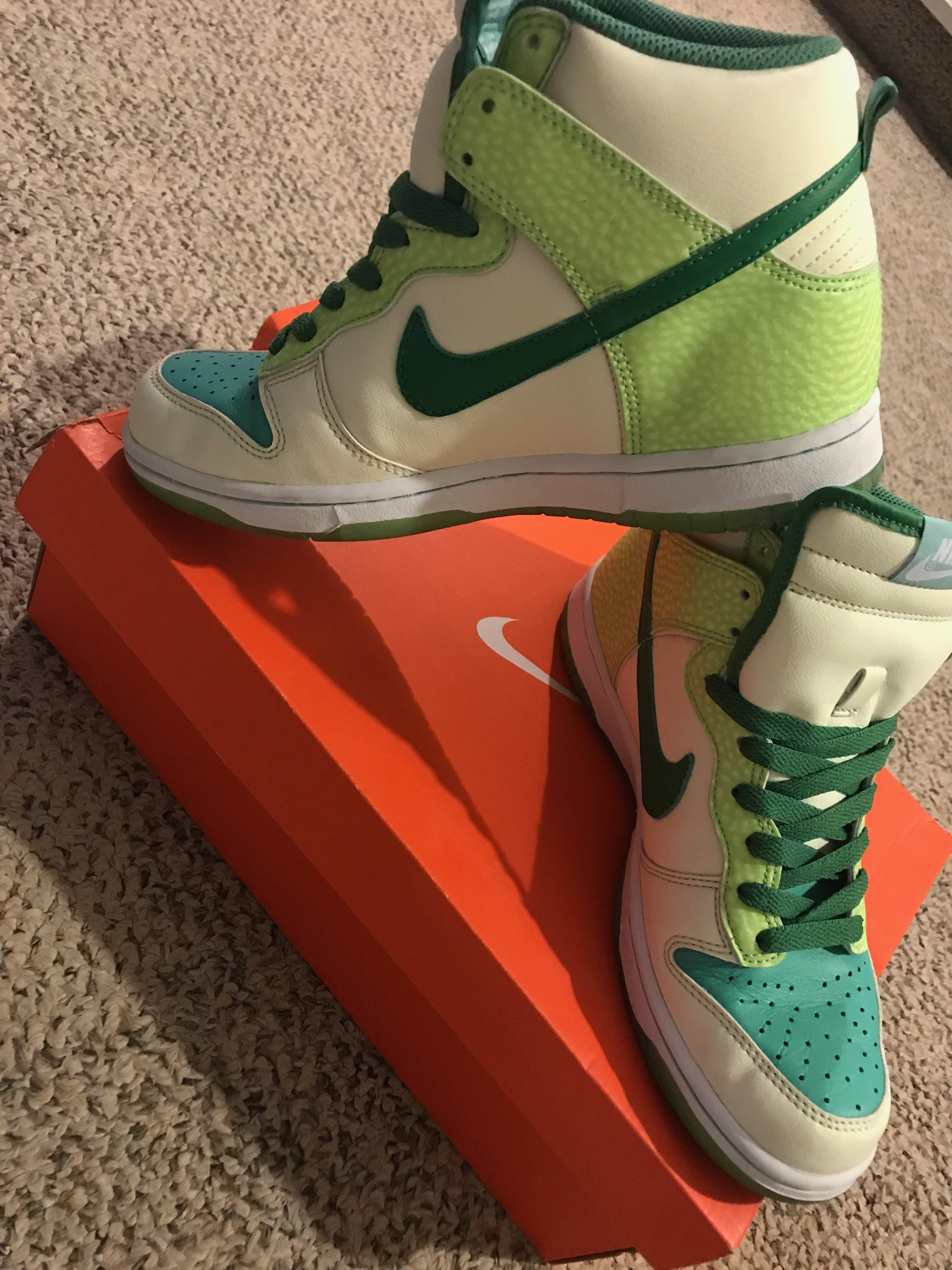 $100 BRAND NEW Nike Dunk High premium glow in the dark  - size 6 mens - with original boxRETAIL: $149