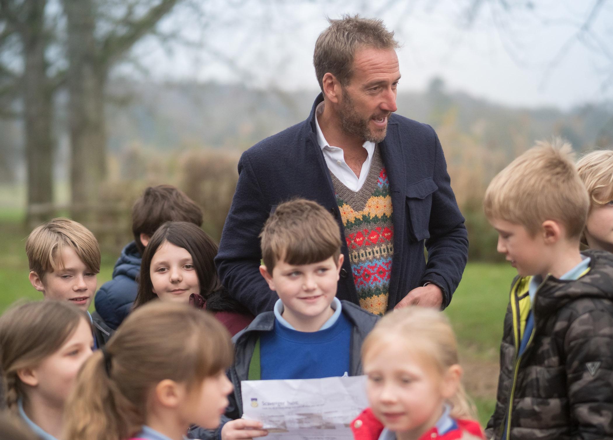 Bryanston BF7 - Former Bryanston pupil, Ben Fogle meets pupils from Durweston CV EA Primary School near Blandford.jpg
