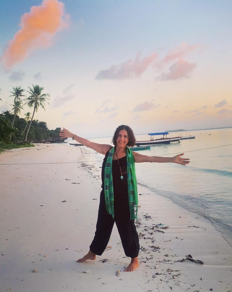 The 'Barefoot Travel Agent'