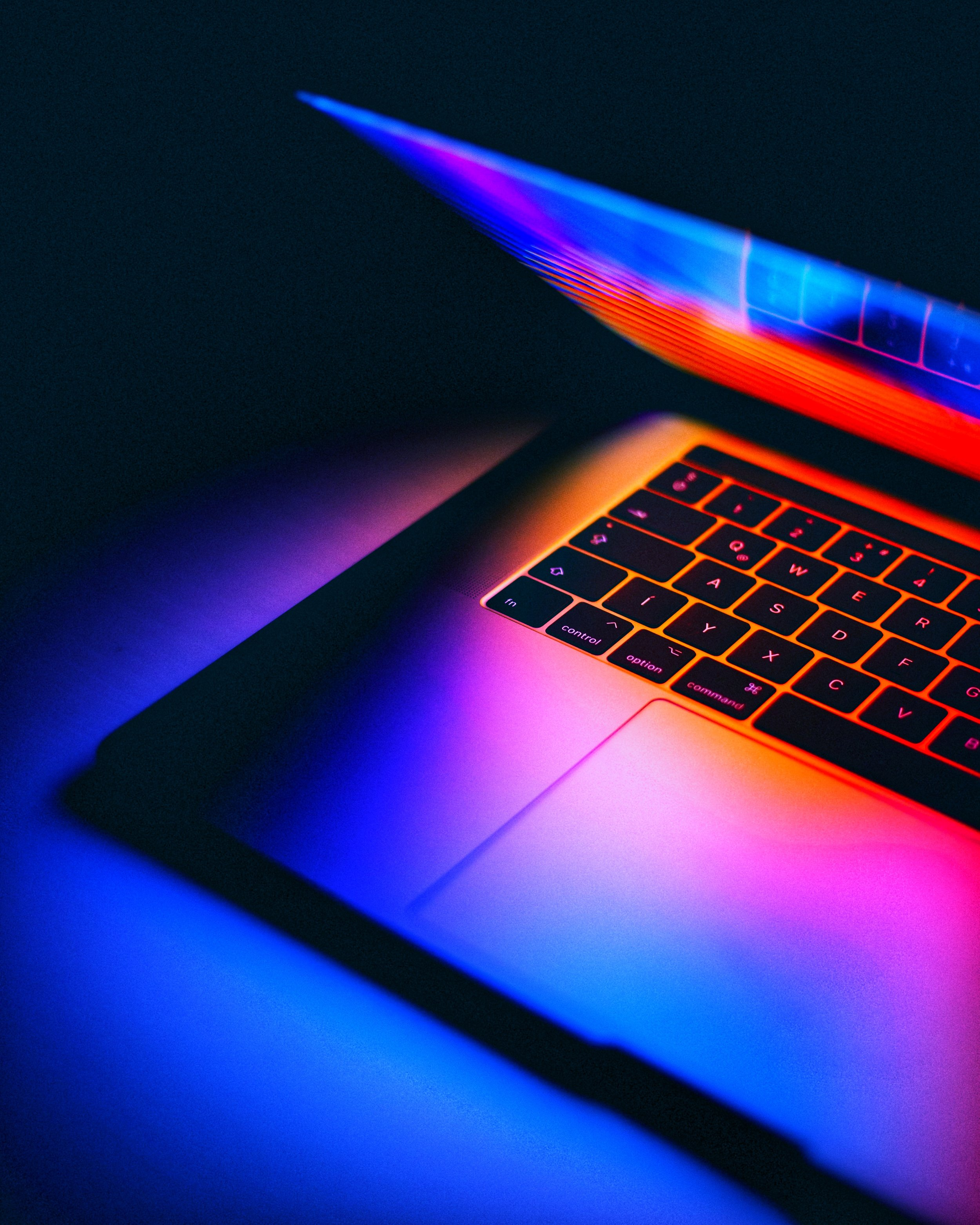 laptop-screen-blue-light.jpeg
