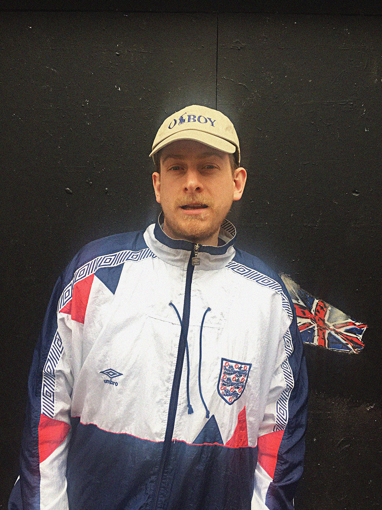 BIG UP DAVE SELECTOR OF @STICKERCHASE LOOKING HIS USUAL CHURPY SELF WEARING OUR OIBOY SIX LEGGER CAP. CHECK OUT THEIR AMAZING FUNDRAISING WORK FOR SPORTS RELIEF AT  WWW.STICKERCHASE.WORLD