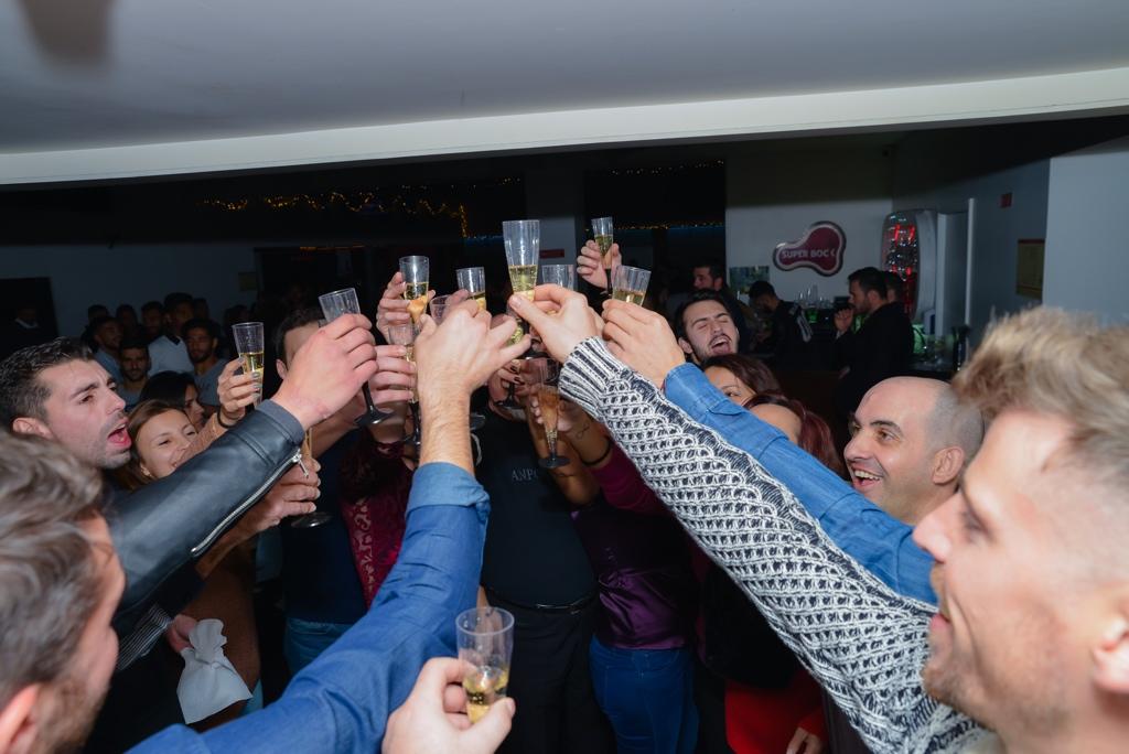 Festa de Aniversário - Faz a festa concosco e oferecemos Bolo de Aniversário e Espumante para todos os teus convidados.