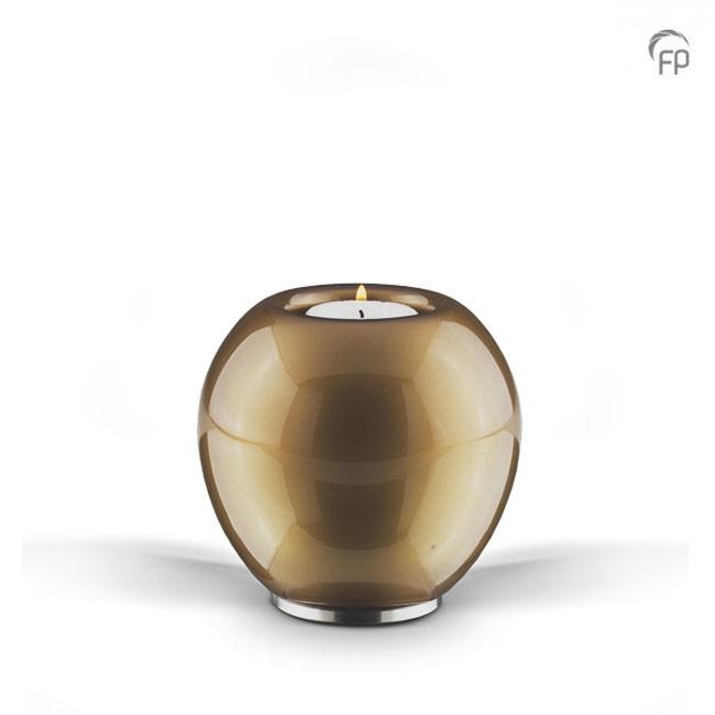 Kaarsenhouder   Van boheems kristal. Oranje.  Leverbaar in de maat 11 cm €169,-