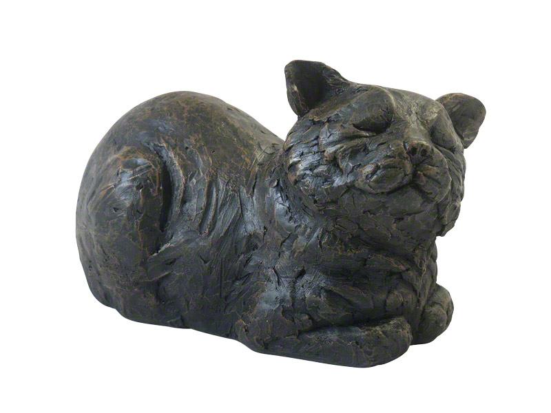 CASCA-LY-BRZ  Deze liefelijke tevreden liggende kat urn geeft u een hele mooie herinnering aan uw geliefd huisdier.  Dit exclusieve door Petributes vervaardigde beeld word in hars gegoten en met de hand afgemaakt met een antiek bronzen finish.  De urn bevat een memory capsule waarin u een aandenken kunt bewaren zoals een naamplaatje of foto.  CASCA-LY-BRZ € 66,00 / 2500 CC