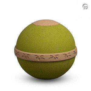 BU 307 ÓLEA  De Ólea urn is gemaakt van olijfpitten en gebonden met plantaardige materialen. De olijfpitten gelden als voedingsmiddel voor de grond, die de groei van planten stimuleert.  BU 307 € 139,00 / 3.00 L / H 27 CM