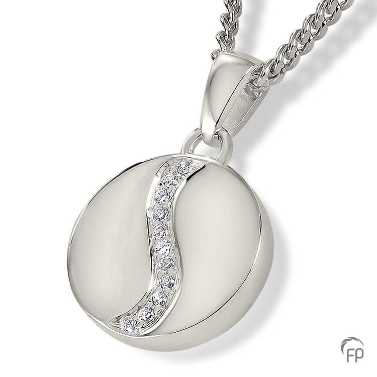 AH 071 met Zirkonia  AH 071 € 215,00 / symbolische hoeveelheid / H 1.9 CM  Bij deze sieraden in geel- en wit goud worden de Zirkonia steentjes vervangen voor echte diamanten. Prijs op aanvraag.