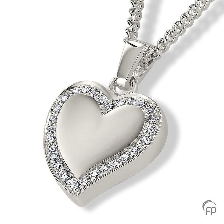 AH 073 met Zirkonia  AH 073 € 229,00 / symbolische hoeveelheid / H 1.9 CM  Bij deze sieraden in geel- en wit goud worden de Zirkonia steentjes vervangen voor echte diamanten. Prijs op aanvraag.