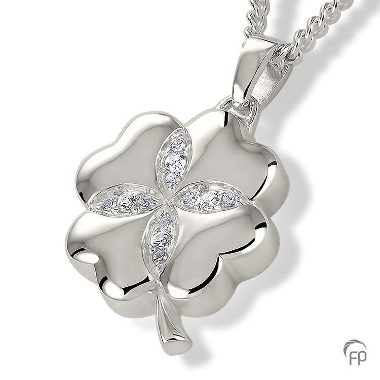AH 077 met Zirkonia  AH 077 € 219,00 / symbolische hoeveelheid / H 2.4 CM  Bij deze sieraden in geel- en wit goud worden de Zirkonia steentjes vervangen voor echte diamanten. Prijs op aanvraag.