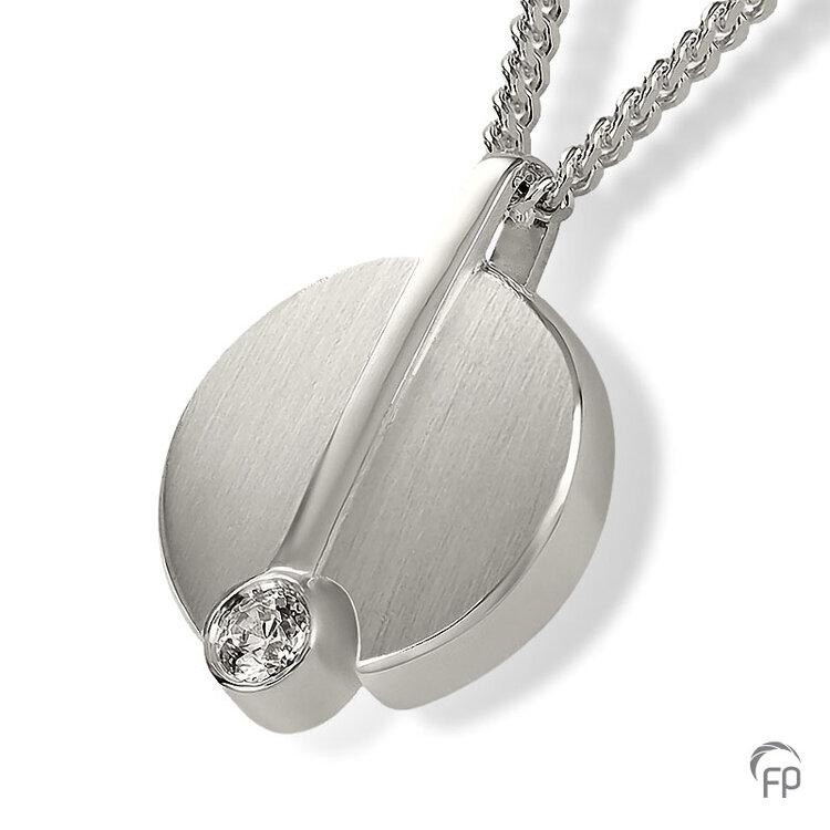 AH 087 met Zirkonia  AH 087 € 155,00 / symbolische hoeveelheid / H 2.7 CM  Bij deze sieraden in geel- en wit goud worden de Zirkonia steentjes vervangen voor echte diamanten. Prijs op aanvraag.