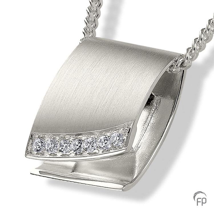 AH 089 met Zirkonia  AH 089 € 205,00 / symbolische hoeveelheid / H 2.0 CM  Bij deze sieraden in geel- en wit goud worden de Zirkonia steentjes vervangen voor echte diamanten. Prijs op aanvraag.