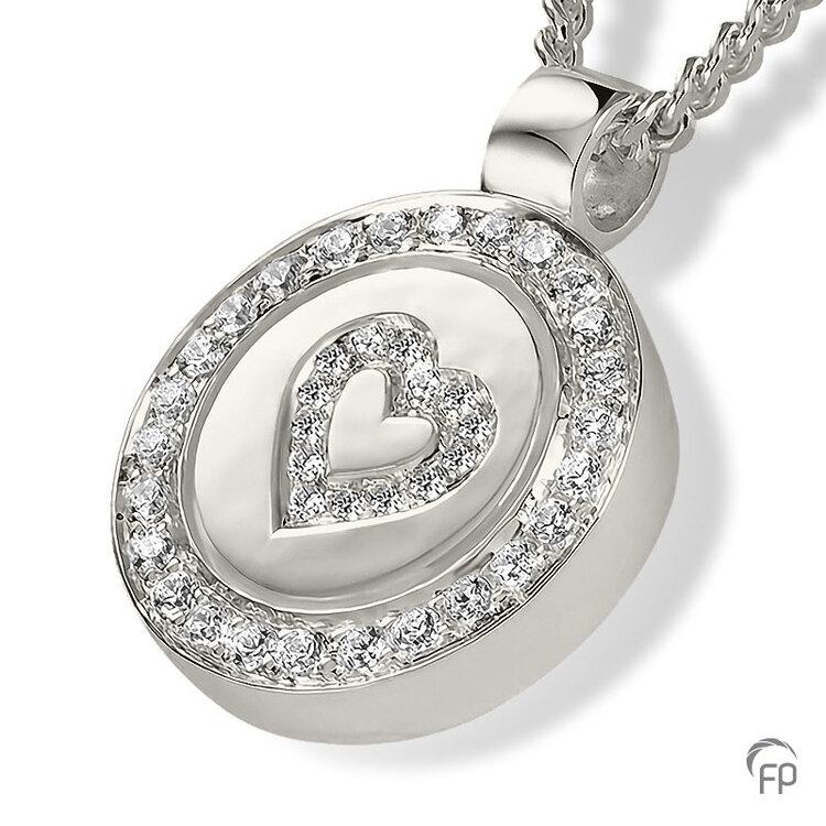 AH 093 met Zirkonia  AH 093 € 309,00 / symbolische hoeveelheid / H 2.4 CM  Bij deze sieraden in geel- en wit goud worden de Zirkonia steentjes vervangen voor echte diamanten. Prijs op aanvraag.