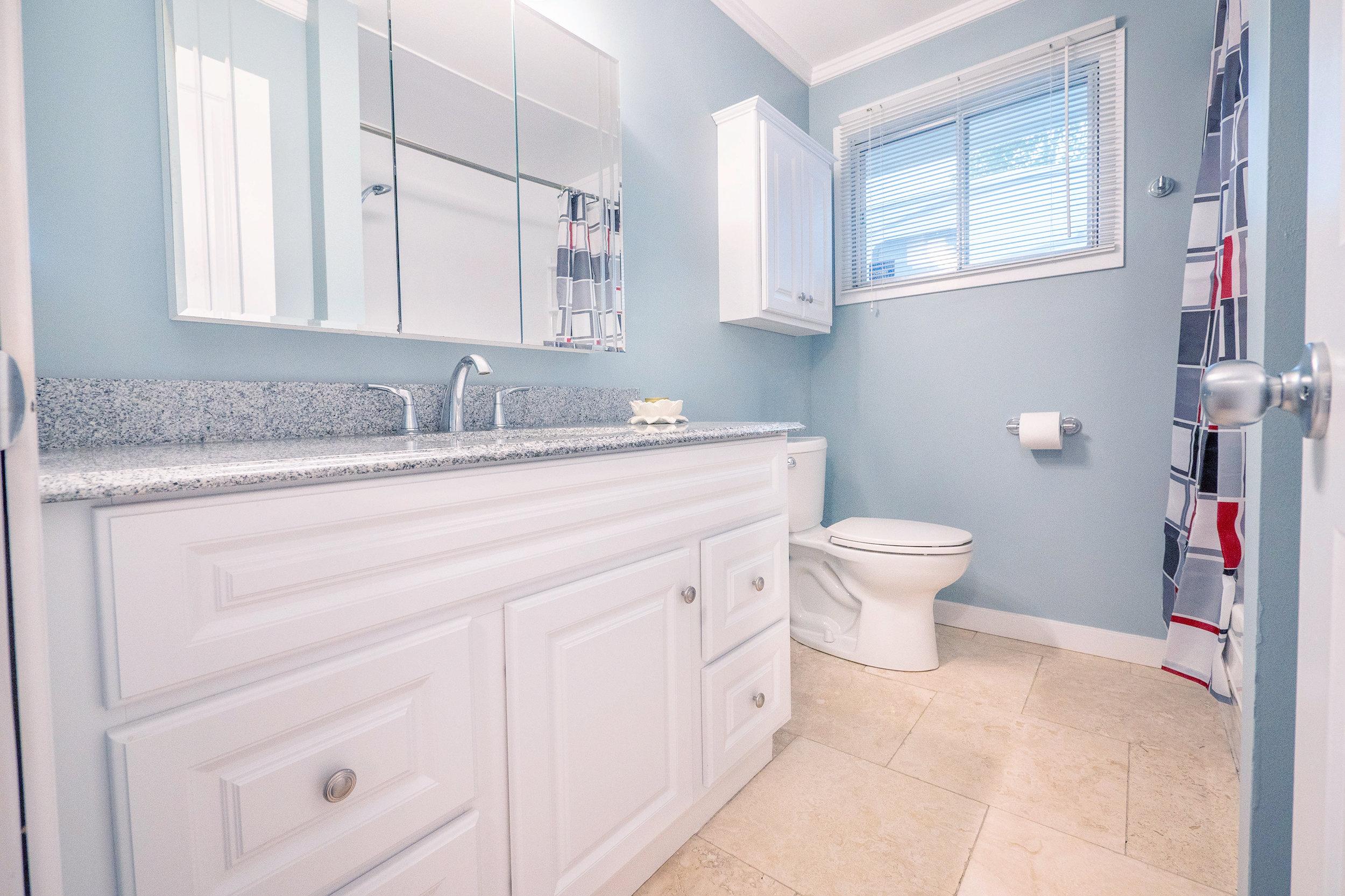 92 Hammond Bathroom Window.jpg