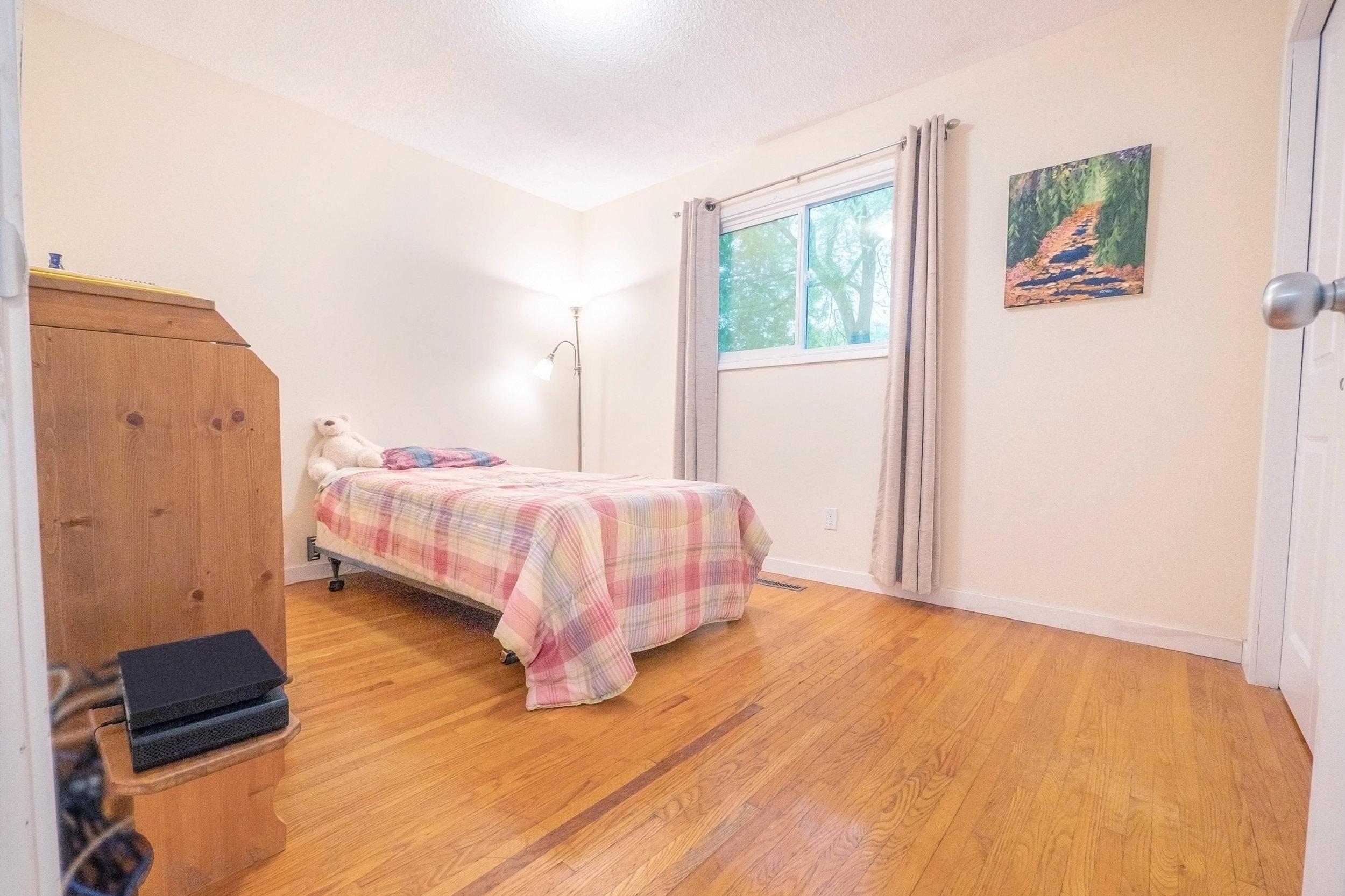 92 Hammond Bedroom Plaid.jpg