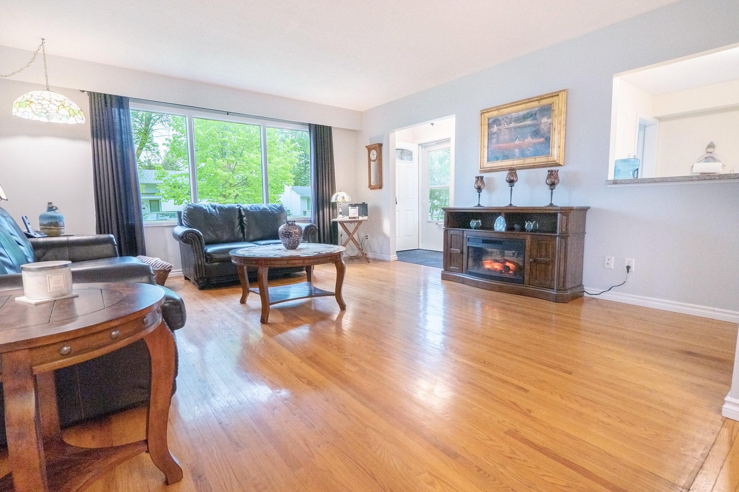 92 Hammond Living Room 1.jpg