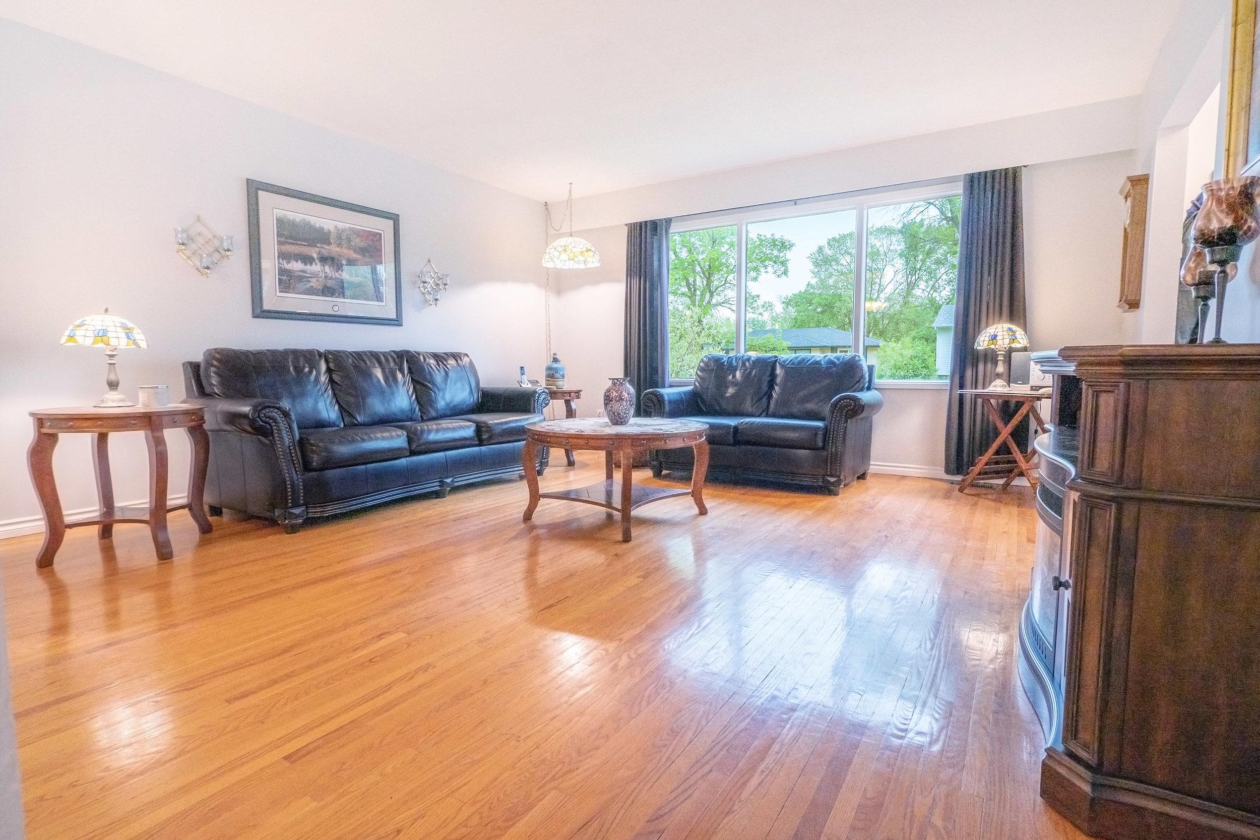 92 Hammond Living Room 2.jpg