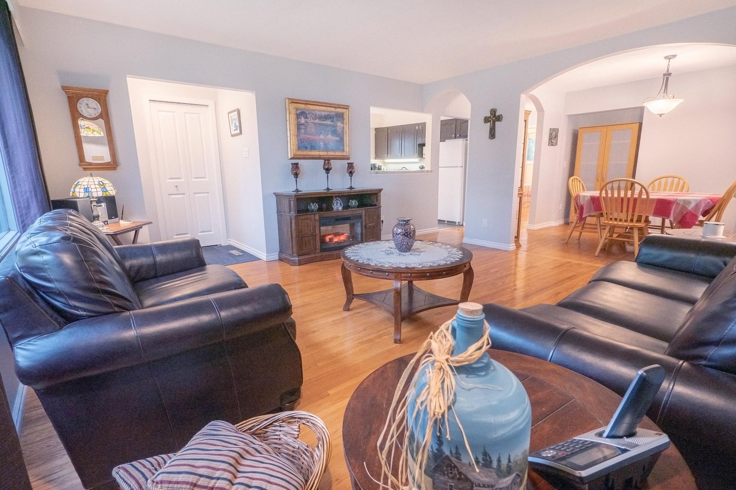 92 Hammond Living Room 3.jpg