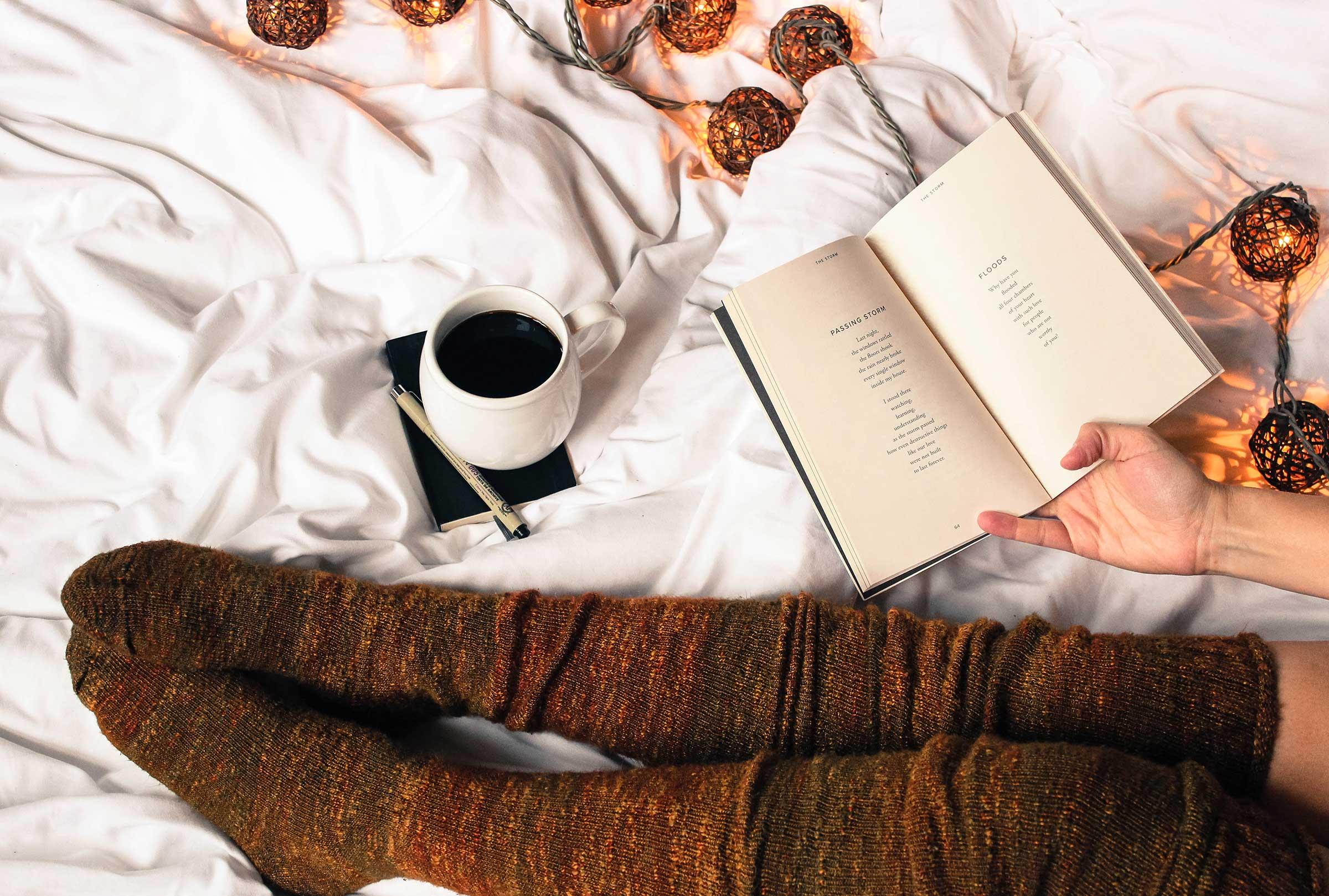 les-naly-woman-reading-best-books-career-work-2.jpg