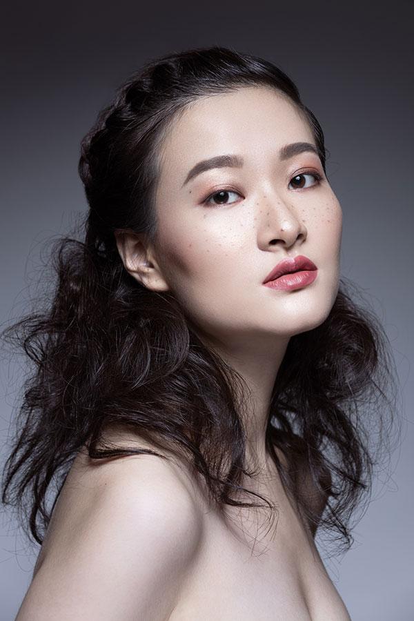 Les-Naly-Makeup-Girl-Women-Beauty-02.jpg