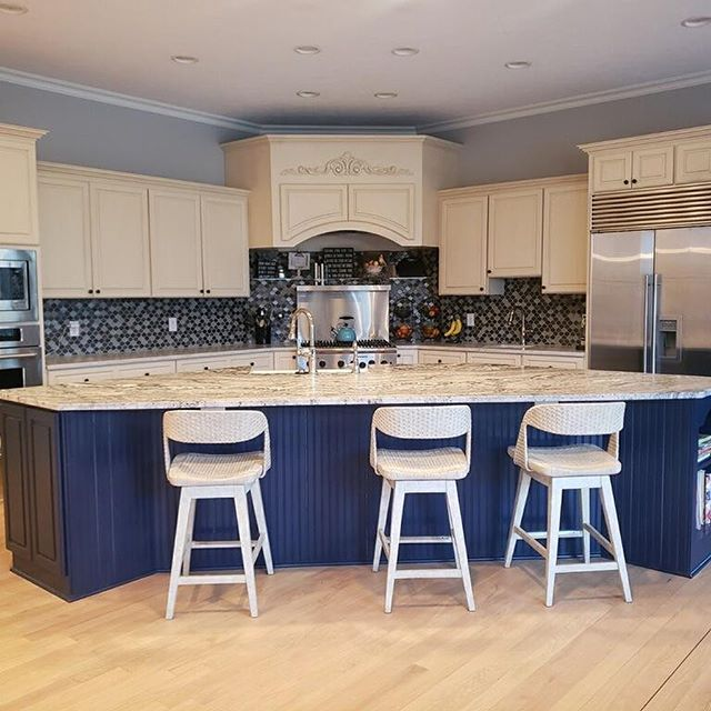 This kitchen is just stunning! Photo # 1-3 features the island using the Sand Cove Leather granite. Photos # 4-6 features the perimeter counter tops using Taj Mahal Suede Quartzite. Our last two photos are featuring a Blue Bahia granite bar top. Swipe ⬅️⬅️⬅️ . . . . #granite #quartzite #kitchen #countertops #bartop #design #olympiastone #bluebahia #tajmahalsuede #inspo