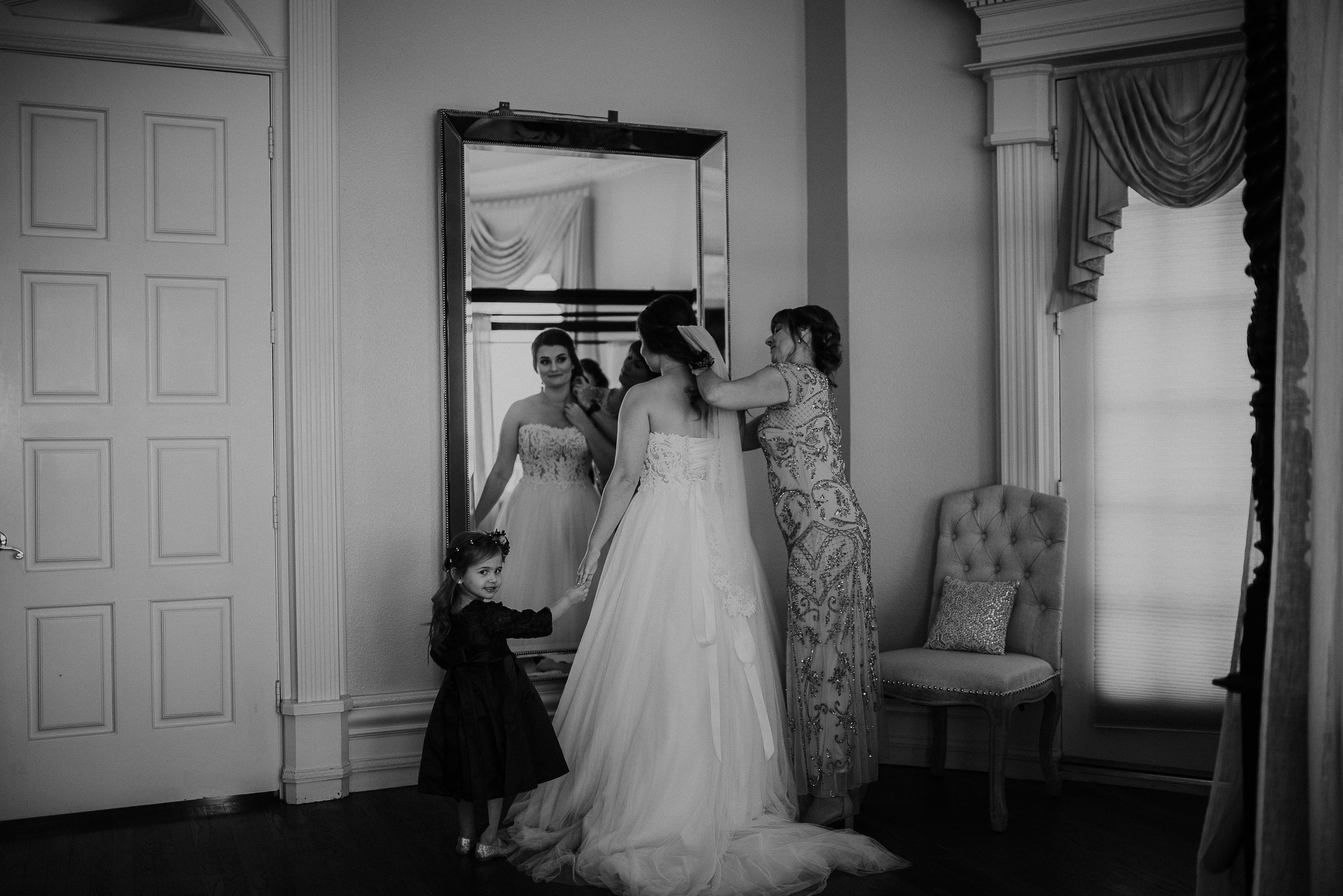 Dallas_Fort_Worth_wedding_Photographer_lone_star_mansion_burleson_texas_50