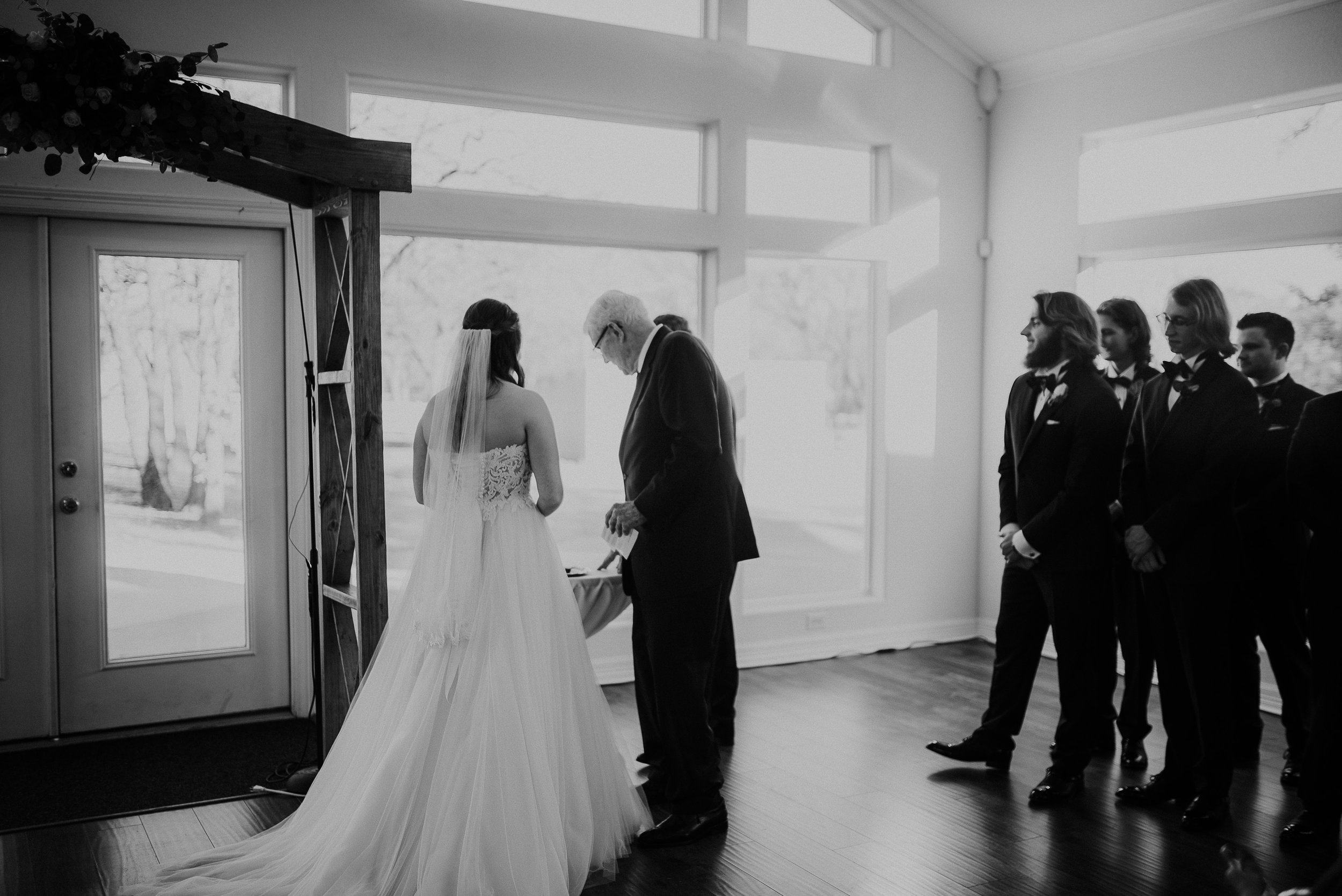 Dallas_Fort_Worth_wedding_Photographer_lone_star_mansion_burleson_texas_79