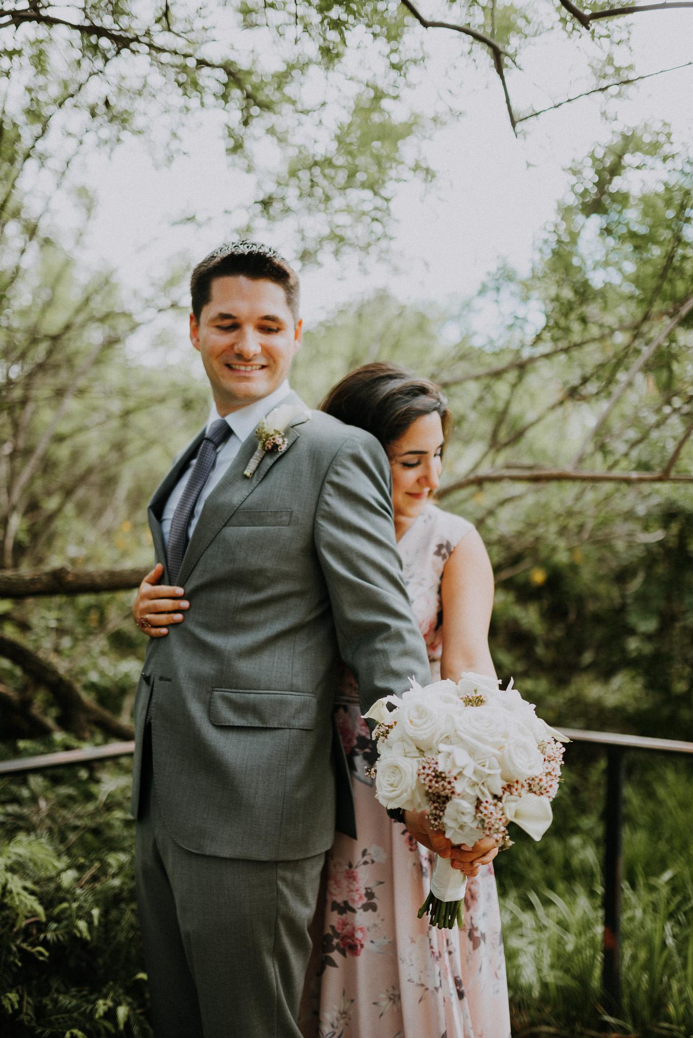 Dallas-fort-worth-wedding-photographer-dallas-arboretum-intimate-wedding-dallas-texas-02