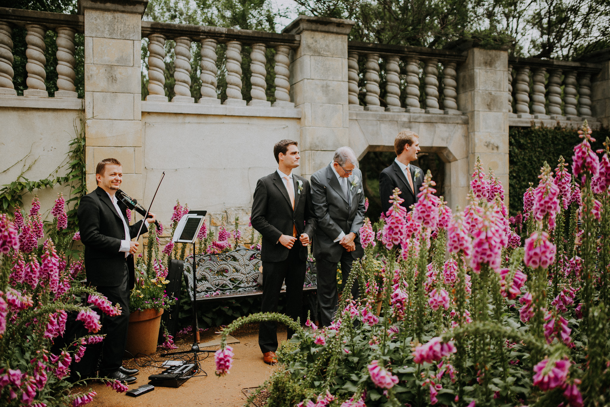 Dallas-fort-worth-wedding-photographer-dallas-arboretum-intimate-wedding-dallas-texas-04