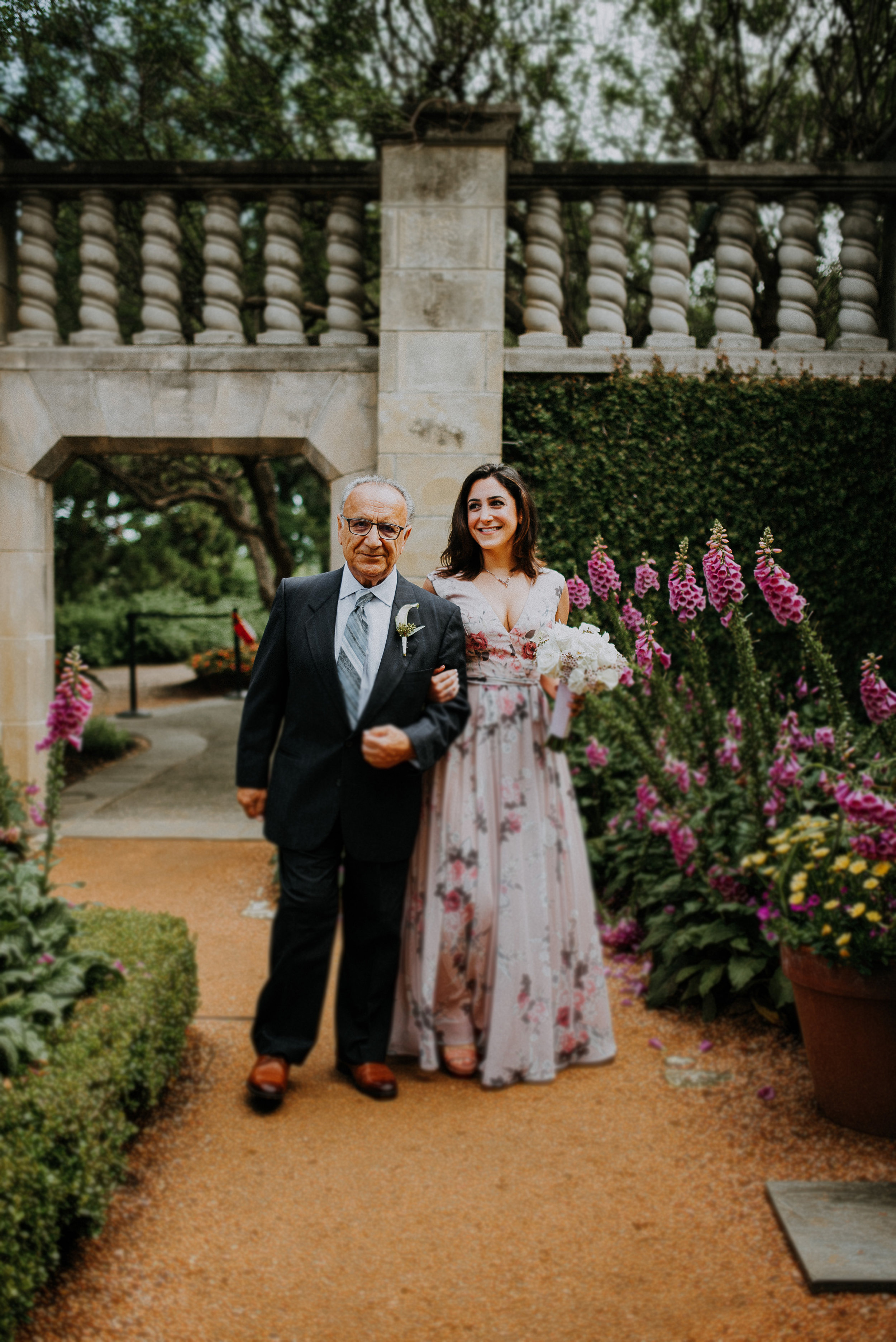 Dallas-fort-worth-wedding-photographer-dallas-arboretum-intimate-wedding-dallas-texas-06