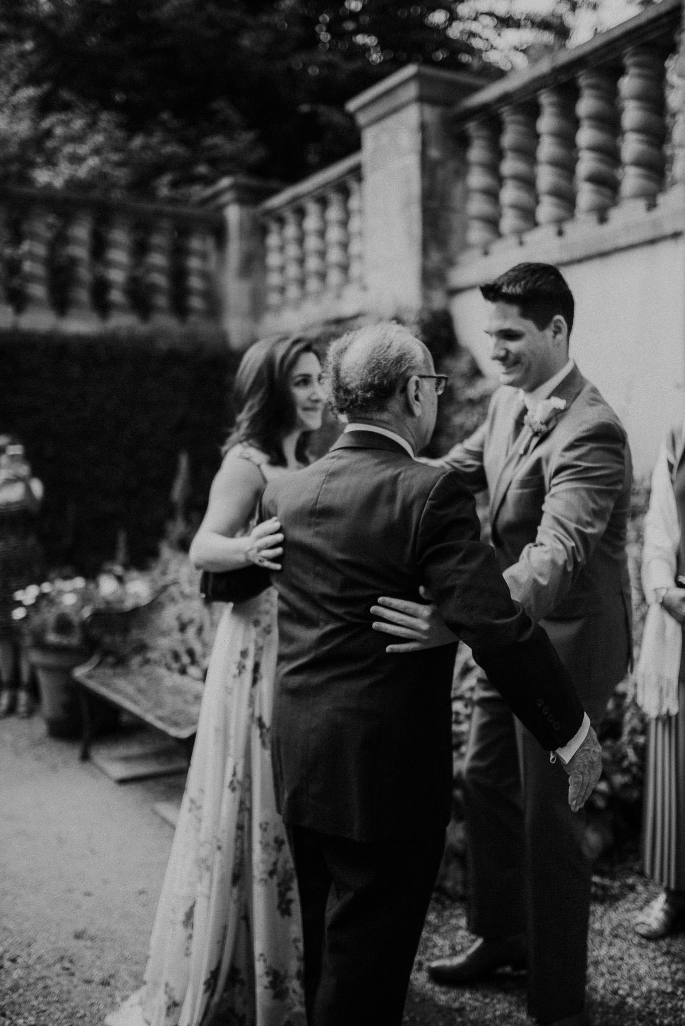 Dallas-fort-worth-wedding-photographer-dallas-arboretum-intimate-wedding-dallas-texas-09