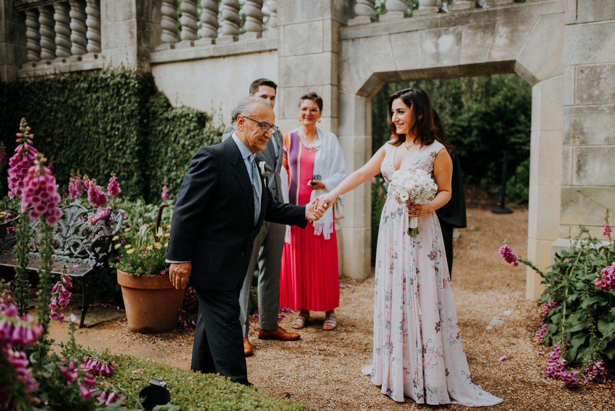 Dallas-fort-worth-wedding-photographer-dallas-arboretum-intimate-wedding-dallas-texas-11