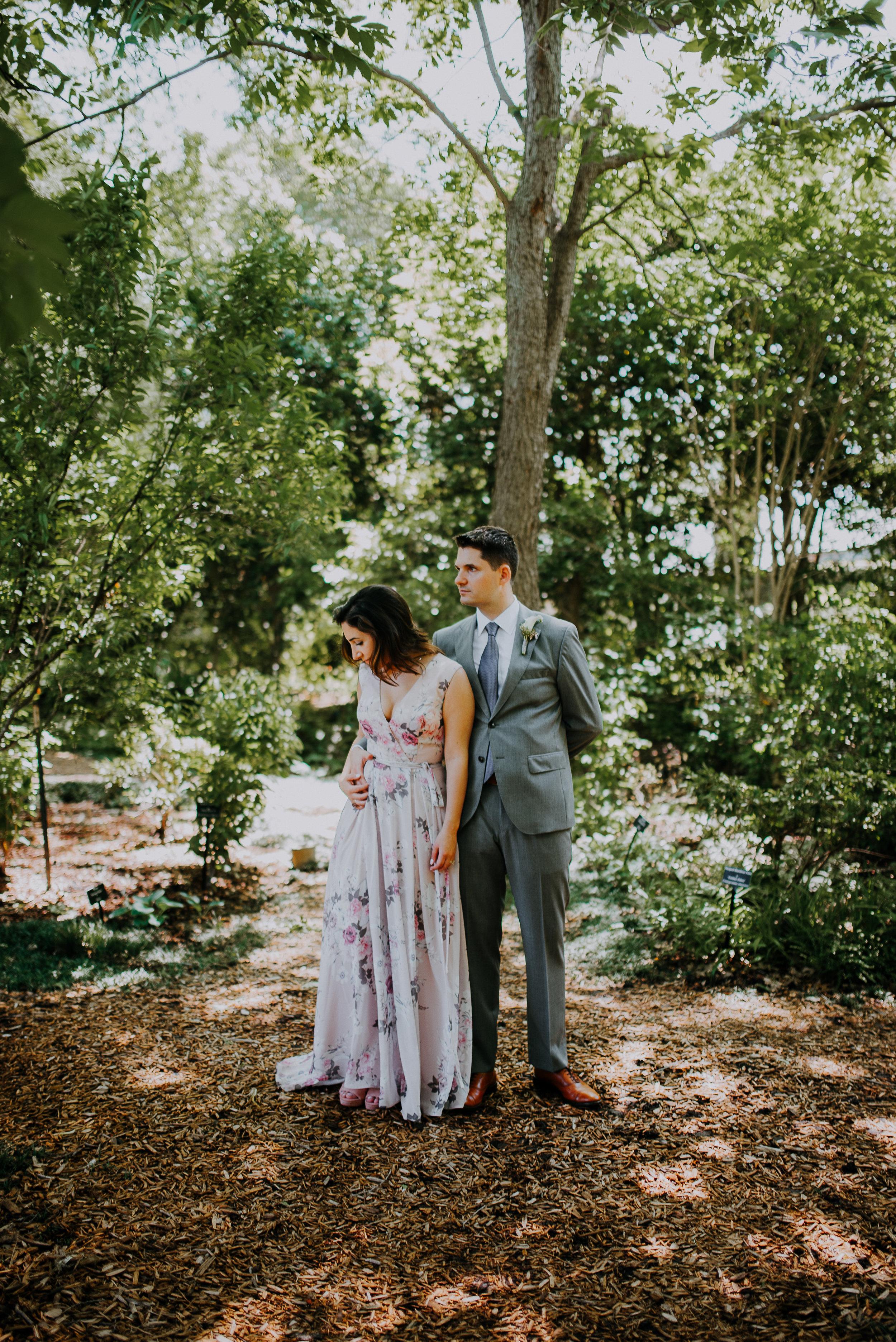 Dallas-fort-worth-wedding-photographer-dallas-arboretum-intimate-wedding-dallas-texas-24