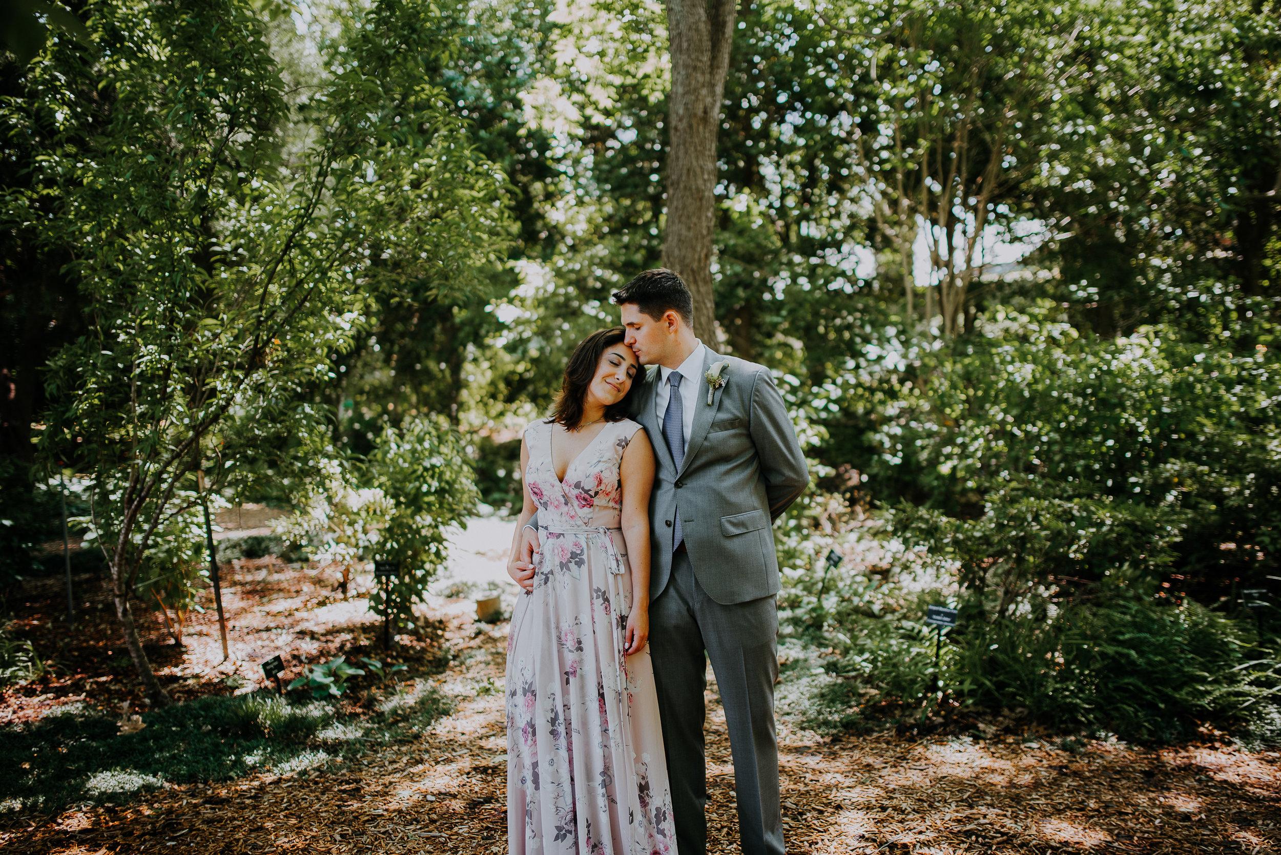 Dallas-fort-worth-wedding-photographer-dallas-arboretum-intimate-wedding-dallas-texas-25