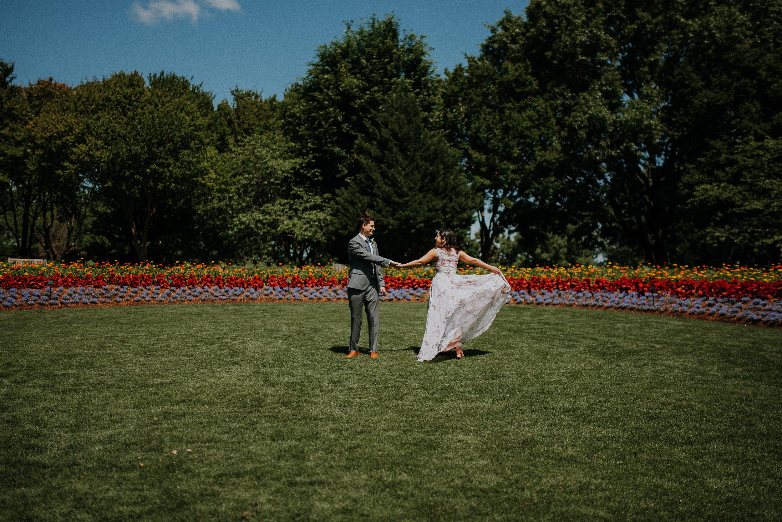 Dallas-fort-worth-wedding-photographer-dallas-arboretum-intimate-wedding-dallas-texas-32