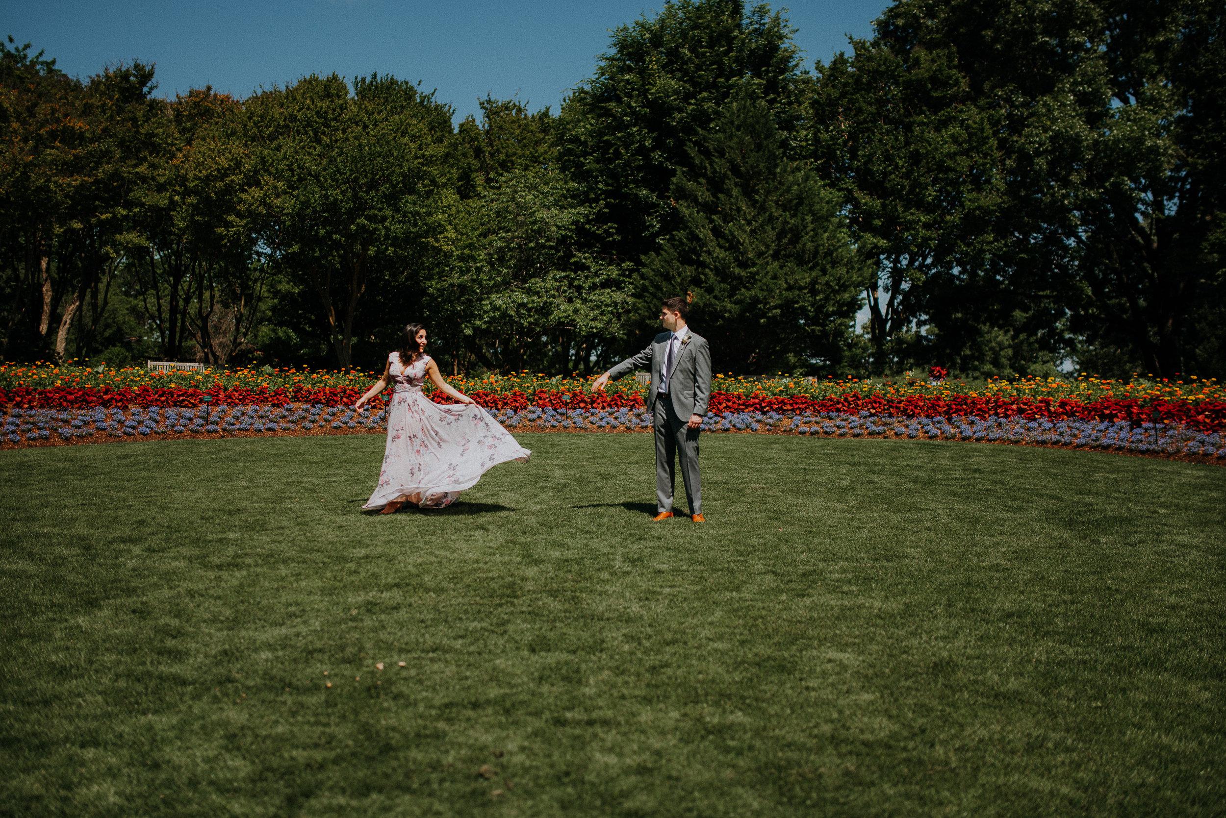 Dallas-fort-worth-wedding-photographer-dallas-arboretum-intimate-wedding-dallas-texas-33